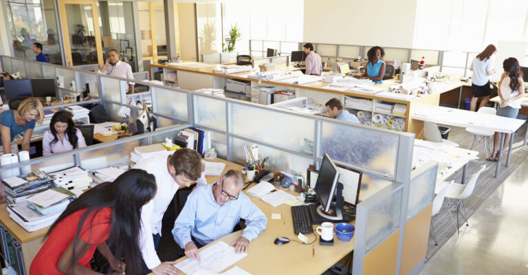 L'allocation chômage doit-elle décroître avec la durée du chômage?